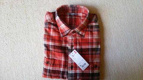 ユニクロでシャツ購入
